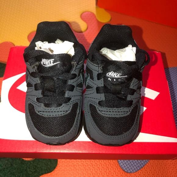 a90ec9d9cbabd Nike Air Max Command Flex (TD) Black. M 5c75782bdf0307056314d8bc